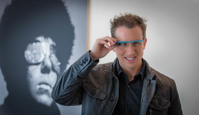 Google Glass будет производить Foxconn