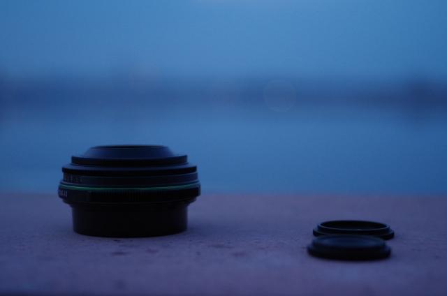 Время «блинчиков»: сравнение объективов Pentax DA 40mm f/2.8 Limited и DA 40mm f/2.8 XS
