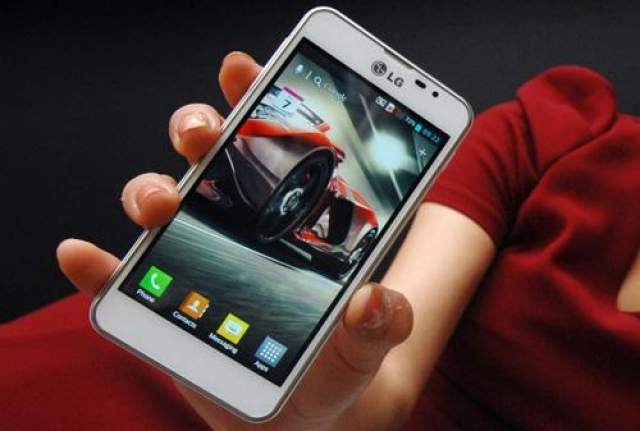 LG Optimus F5 - официально