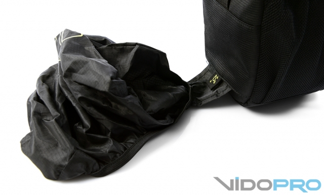 Tucano Holster Bag Large: достань фотокамеру первым