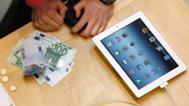 Французы введут налог на смартфоны и планшеты