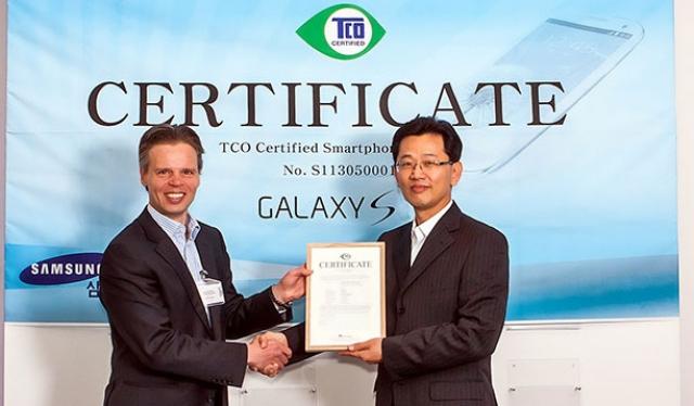 Samsung Galaxy S4 – первый смартфон, прошедший сертификацию TCO