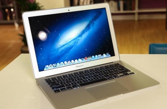 Новый MacBook Air проработает день в автономном режиме