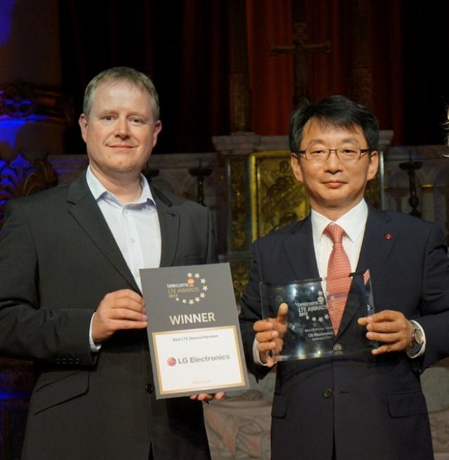 LG Optimus G Pro признан лучшим LTE-устройством