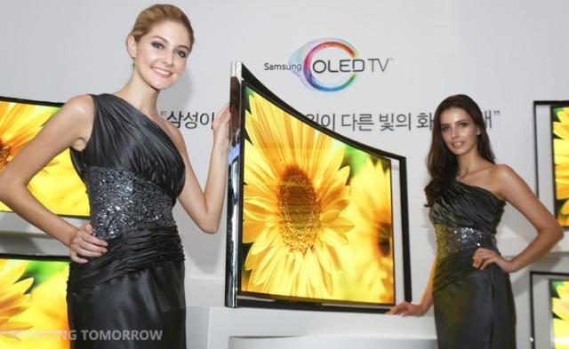 OLED-телевизор Samsung с дугообразным экраном поступил в продажу
