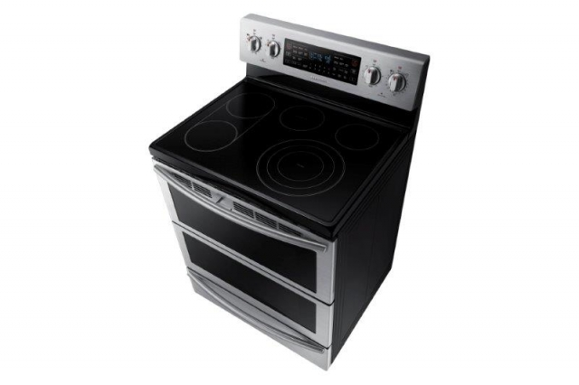 Новая бытовая техника Samsung для кухни и специальные приложения с советами шеф-поваров