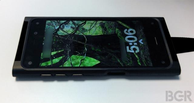"""Первые фото смартфона Amazon: шесть камер и 4.7"""" HD-дисплей"""