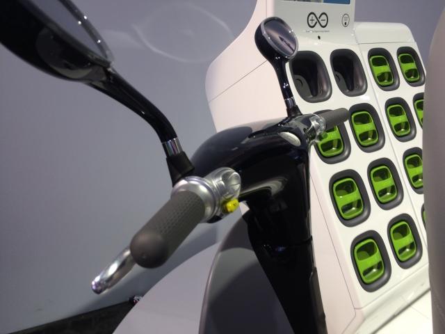 Этот продвинутый электрический скутер изменит использование энергии в городах