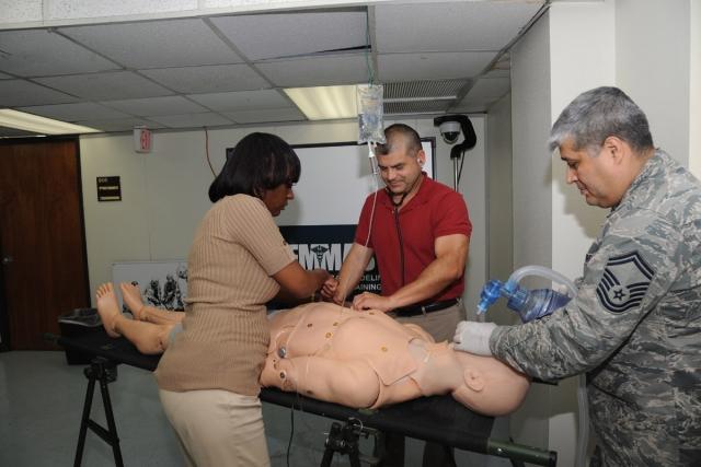 Армия США использует компьютерные программы для тренировки медиков