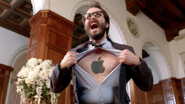 Слепая верность: исследование показало, что владельцы iPhone купят любой гаджет с логотипом Apple