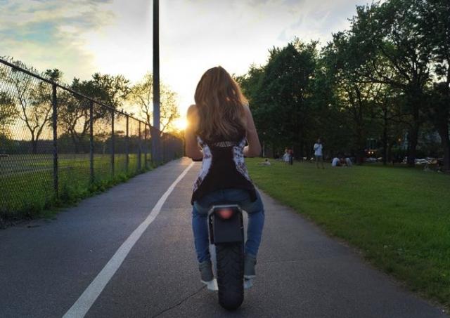 Moto Pogo – еще один одноколесный электрический скутер