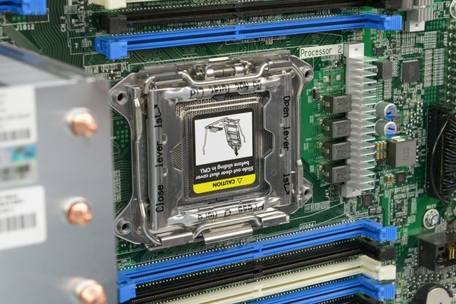Обзор пьедестального сервера HP ProLiant ML350 Gen9