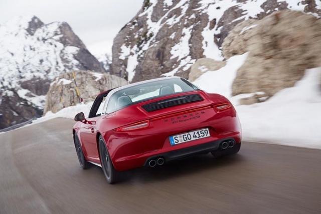 Состоялась мировая премьера автомобиля Porsche 911 Targa 4 GTS