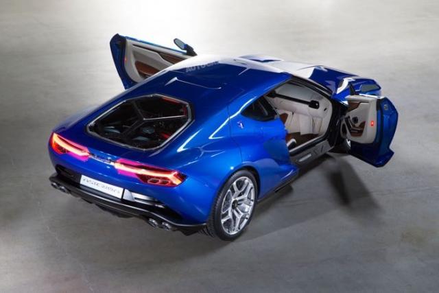 Новый гибрид Lamborghini Asterion позирует перед камерой
