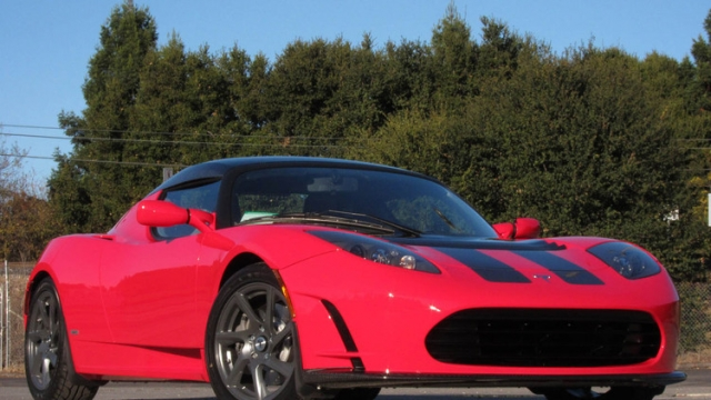 Tesla Motors представит новый спортивный автомобиль на следующей неделе
