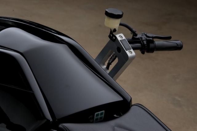 Полностью функционирующий мотоцикл из фильма «Трон: наследие» уйдет с молотка