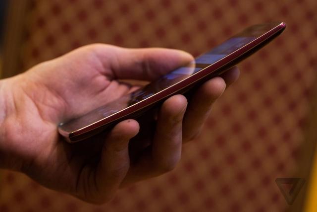 Встречайте G Flex 2, следующую попытку LG сделать идеальный гнущийся смартфон