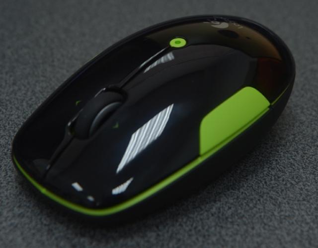 Logitech Wireless Mouse M345. Яркая беспроводная мышь с удобной прокруткой
