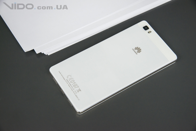Обзор смартфона Huawei P8 Lite: облегченный и светлый
