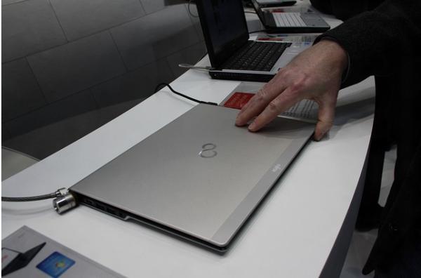 CeBIT 2012: новая информация об ультрабуке Fujitsu LIFEBOOK UH572