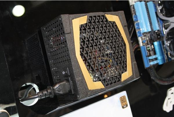 CeBIT 2012: FSP представляет новые блоки питания для десктопов и универсальные блоки питания для ноутбуков