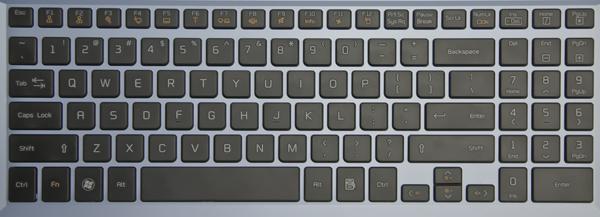 LG P535: алюминиевый, синий, быстрый