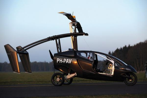 Первый полет летающего мотоцикла PAL-V